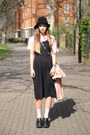 Black-pinafore-midi-the-whitepepper-dress-black-sun-knit-the-whitepepper-hat