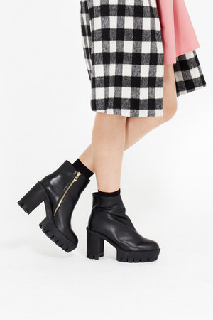black THE WHITEPEPPER boots