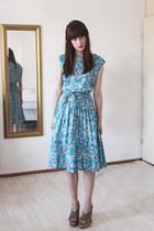 sky blue vintage dress - heather gray Esprit wedges