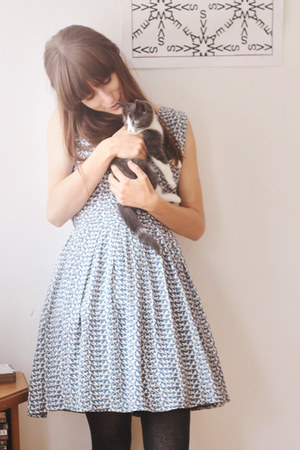 sky blue cat-print dress