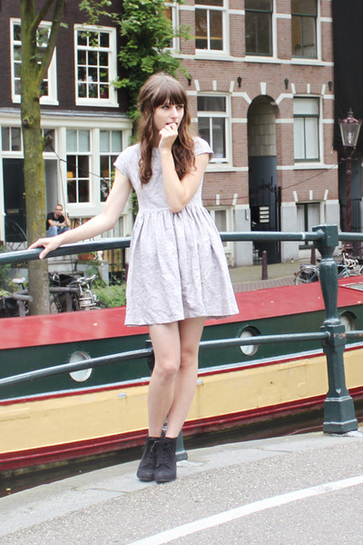 off white vintage dress - black Deichmann boots