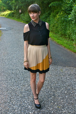 black luluscom blouse - mustard Sugarlips skirt - black Forever 21 heels