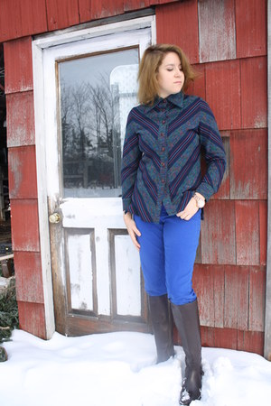 blue thrifted jeans - dark brown riding boots Ariat boots - navy vintage top