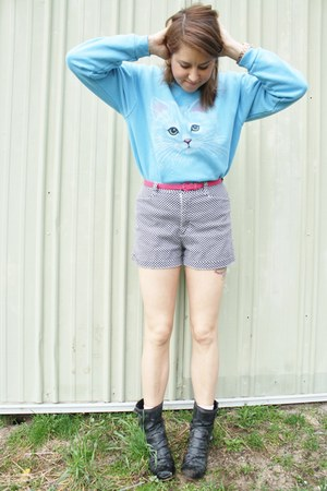 light blue cat sweater Vintage Thrifted sweater - black vintage shorts