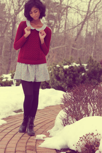 brick red American Eagle sweater - black gifted boots