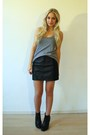 Black-leather-skirt-gray-tank-top