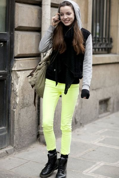 Light-yellow-jeans_400