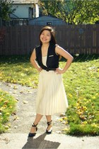thrifted vintage dress - thrifted vintage belt - Costa Blanca flats