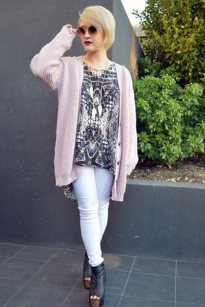 knitted Boohoo cardigan - gradient Urban Outfitters sunglasses