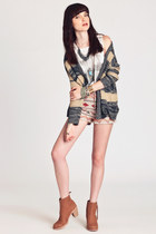 neutral cardigan - tan jax Dolce Vita boots - tan anita jaquard BB Dakota shorts