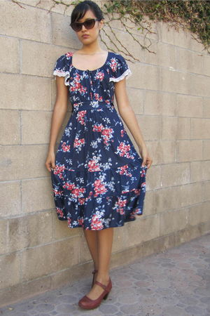 blue vintage dress - brown Clarks shoes - brown Forever 21 accessories