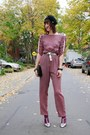 Pink-ruched-sleeve-thrift-store-jumper-silver-payless-shoes