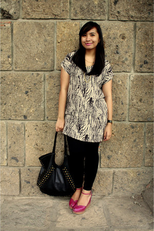 magenta Charles & Keith shoes - black thrift bag - white thrift top