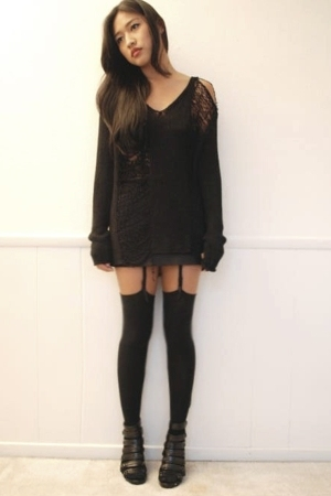 intimate - sweater - shoes - skirt