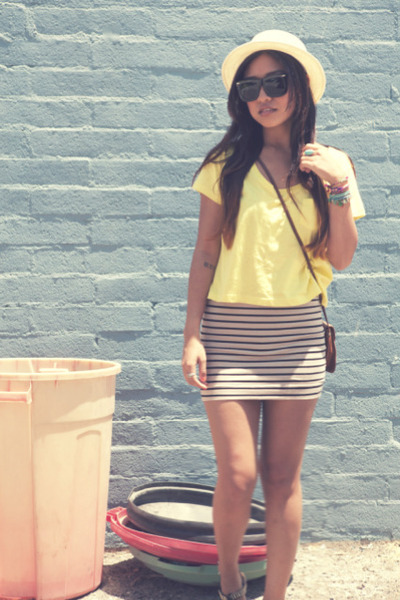 f21 hat - H&M shirt - vintage bag - H&M skirt