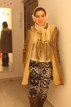 Uggs boots - Sawyer Napa coat - banana republic sweater - Uggs scarf