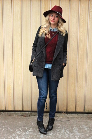 ankle Zara boots - Pimkie coat - Zara jeans - H&amp;M hat - H&amp;M sweater - Zara shirt