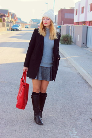 Mango bag - Stradivarius boots - Zara sweater - Zara skirt