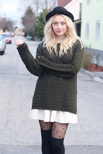 Newlook tights - H&amp;M dress - H&amp;M hat - vintage sweater