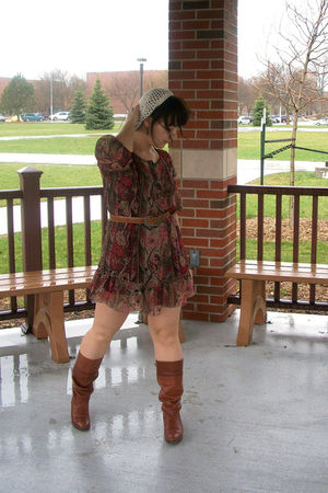 brown vintage boots - red dress - white Forever 21 hat