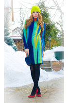 blue Marika dress - lime green H&M hat