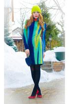 blue Marika dress - lime green H&M hat