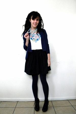 black skirt - blue tights - blue cardigan - black shoes - white shirt - blue nec
