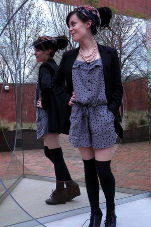 black shoes - black socks - gray suit - black blazer - black scarf - pink neckla