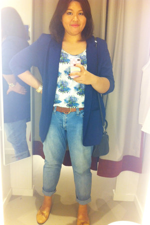blue floral print Uniqlo vest - sky blue unknown brand jeans