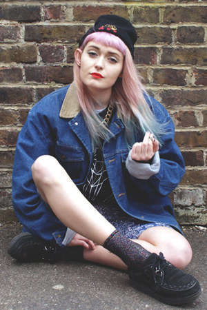black creepers Schuh flats - navy denim Wrangler jacket