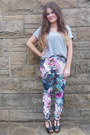 Amethyst-floral-primark-leggings-heather-gray-h-m-t-shirt