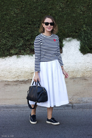 white MaxMara skirt - navy Louis Vuitton bag - black ray-ban sunglasses