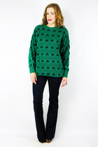 Green-trashy-vintage-sweater