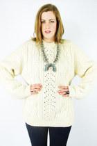 ivory Trashy Vintage sweater