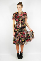 Trashy-vintage-dress