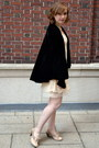 Black-vintage-coat-cream-blu-pepper-dress-light-pink-crown-vintage-heels