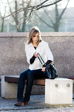 Kenneth Cole blazer - Michael Kors boots - American Eagle jeans - Aldo bag