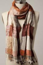Scarfred-scarf-tricisny-scarf