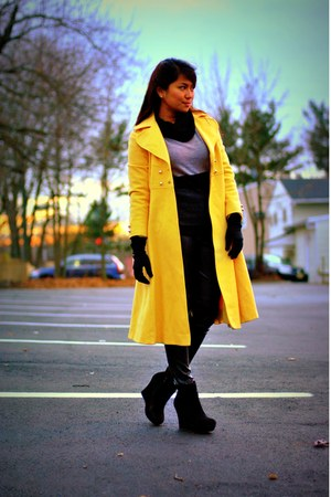 yellow MONICA SERRA coat