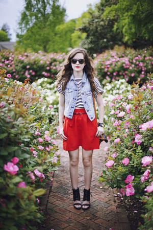 sky blue denim American Eagle vest - red mini J Crew skirt