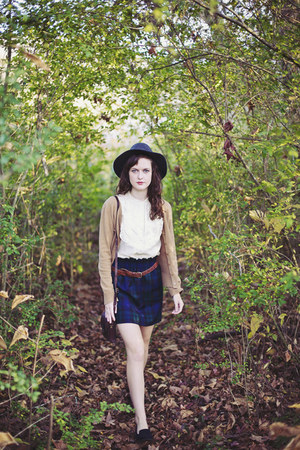 brown leather thrifted belt - gray fedora Gap hat - navy plaid J Crew skirt