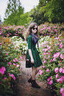 Dark-brown-roper-vintage-boots-dark-green-backless-august-wrinkle-dress