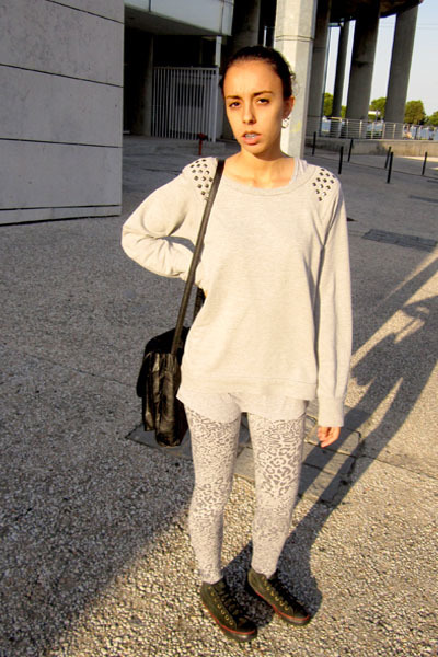 leopard print leggings - Lefties sweatshirt - old Converse sneakers