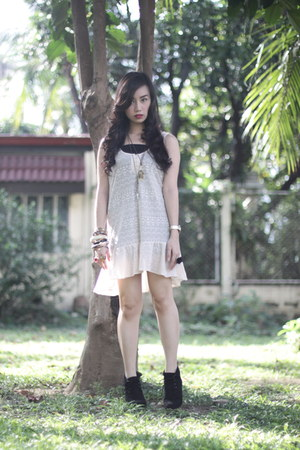 beige dress - black Forever 21 boots - gold Aldo accessories