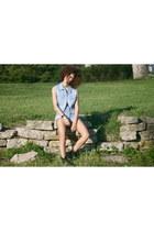 sky blue Levis shorts - sky blue Gap vest