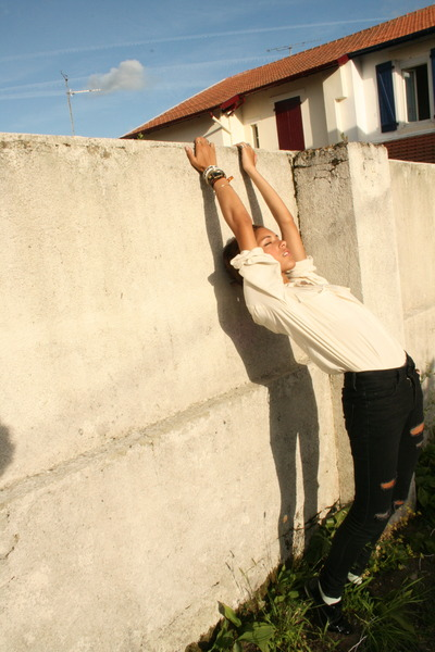 beige Anna and Frank blouse - black Urban Outfitters pants
