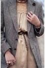 Gray-thrifted-blazer-nude-vintage-dress-beige-forever-21-heels-light-brown