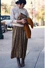 Mustard-vintage-blazer-brown-secondhand-skirt-cream-secondhand-sweater-bro