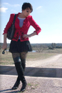 Red-thrifted-blazer-white-old-navy-shirt-black-colin-stuart-boots-black-ta