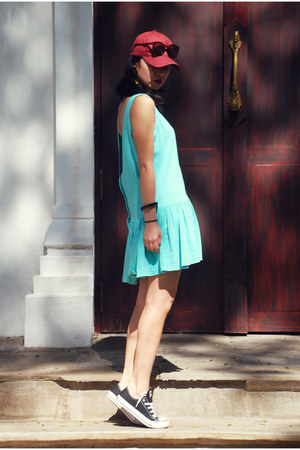 aquamarine dress - black Converse sneakers